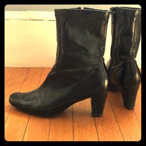 Aerosoles black ankle booties